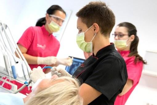 Nel nostro studio non utilizziamo l'amalgama - dott.ssa Jelena Prpic - Viadent, Fiume, Croazia
